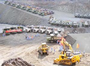 长江三峡溪洛渡水电站大坝截流工程
